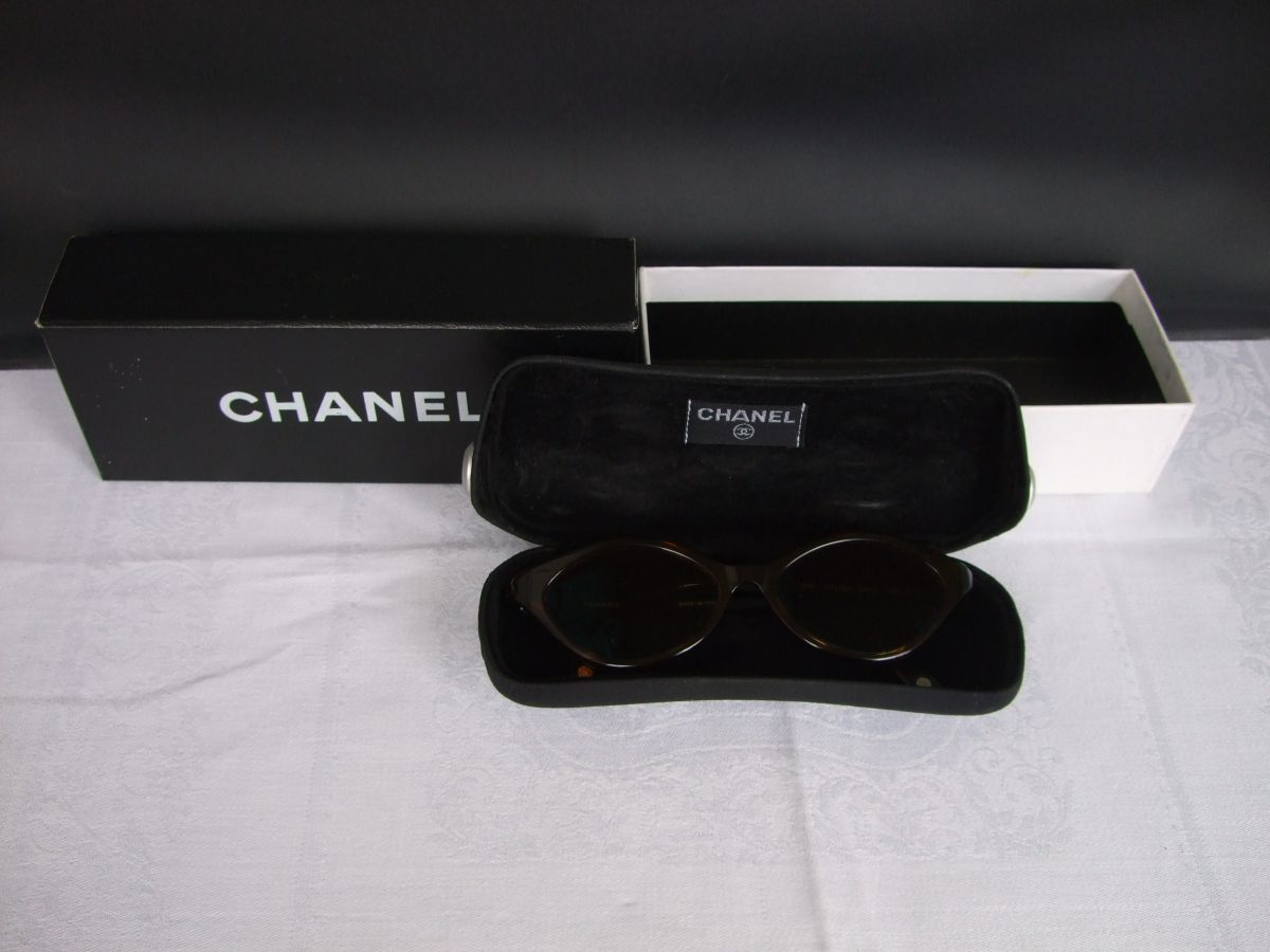 coco chanel sonnenbrille brille fassung gestell neuwertig ovp seriennummer. Black Bedroom Furniture Sets. Home Design Ideas